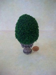 Topiary Short Tree, Round Base