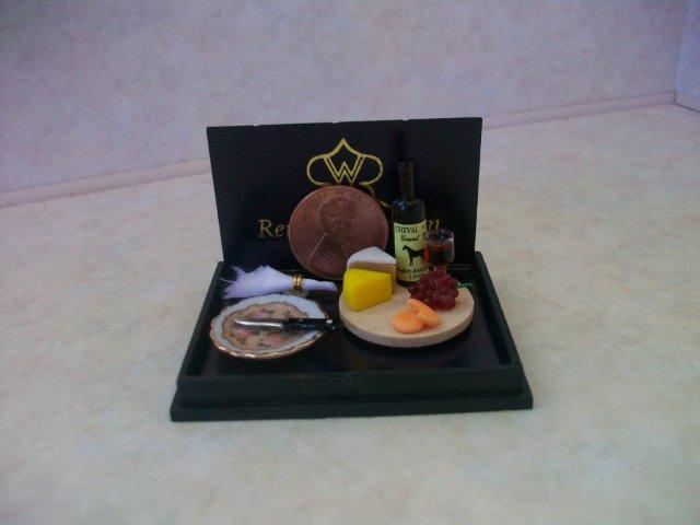Dollhouse Miniature Collectable Breakfast /& Porcelain Plate Food Groceries 1:12