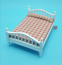 Double Bed, White, Plaid Bedspr