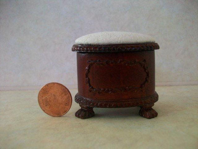 """Ashland"" Shoe Stool"