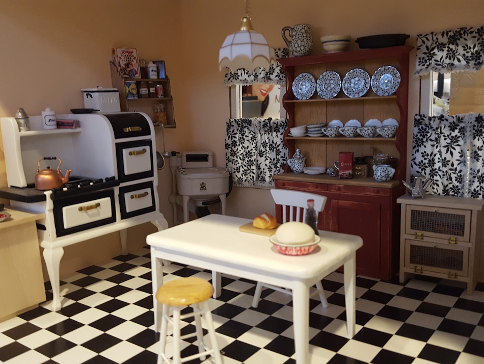 dollhouse kitchen
